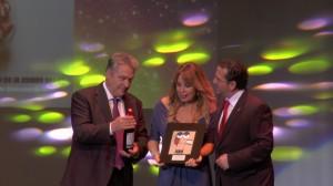Miriam Díaz Aroca, Personaje homenajeado en la X Edición, con el alcalde de La Solana y el Pte. del Consejo Regulador