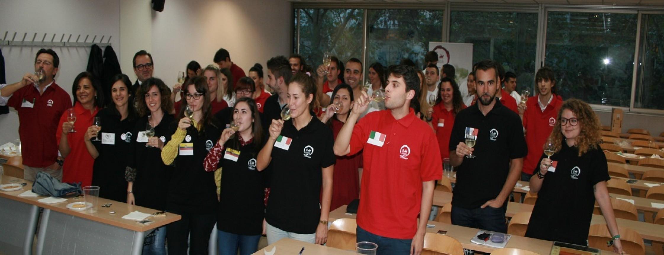 I Jornada de Difusión de la Cultura del Vino en la UCM con excelente participación.